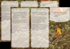 creation graphique en ligne depliant 3 volets  6 pages  animal nemo macro original MLGI36447