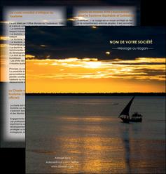 cree depliant 2 volets  4 pages  sejours pirogue couche de soleil mer MLGI36911