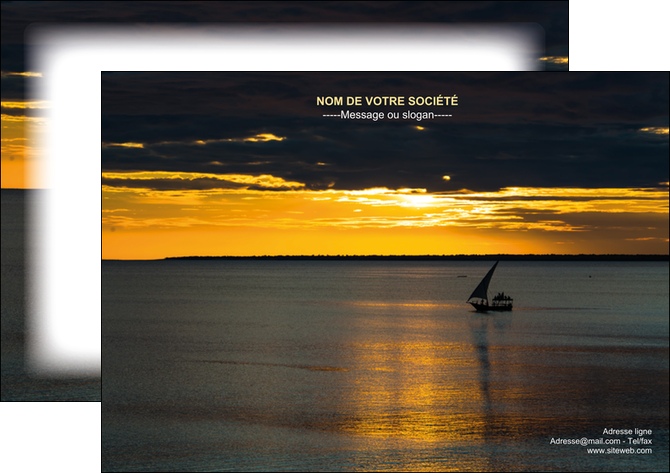 Flyers mod le et exemple pirogue couch de soleil mer for Agence format paysage
