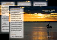faire depliant 3 volets  6 pages  sejours pirogue couche de soleil mer MLGI36941
