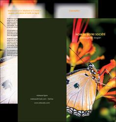 personnaliser maquette depliant 2 volets  4 pages  belle photo de papillon macro couleur MLGI36981