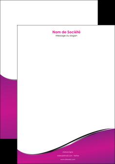 imprimerie tete de lettre violet fond violet colore MLIG58661
