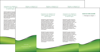 modele en ligne depliant 4 volets  8 pages  vert fond vert colore MLGI59287