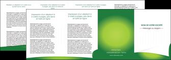 exemple depliant 4 volets  8 pages  vert fond vert abstrait MIF64389