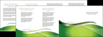 maquette en ligne a personnaliser depliant 4 volets  8 pages  web design vert fond vert verte MLGI73099